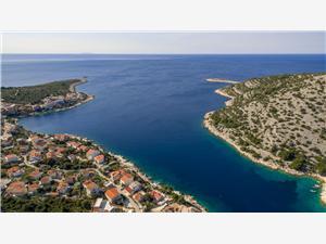 Villa Marina Razanj, Kwadratuur 150,00 m2, Accommodatie met zwembad, Lucht afstand tot de zee 70 m