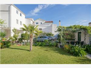 Apartmanok Zanze , Méret 24,00 m2, Légvonalbeli távolság 220 m, Központtól való távolság 500 m