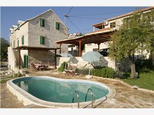 Vila Bonaca Sumartin - ostrov Brac, Rozloha 100,00 m2, Ubytovanie sbazénom, Vzdušná vzdialenosť od centra miesta 10 m