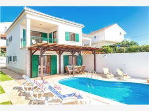 Privatunterkunft mit Pool Die Inseln von Mitteldalmatien,Buchen Cvita Ab 486 €
