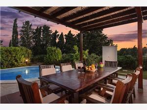Villa Liza Hvar - island Hvar, Size 157.00 m2, Accommodation with pool, Airline distance to the sea 70 m
