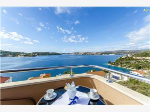 Apartmaji Smiljana Riviera Šibenik, Kvadratura 80,00 m2, Oddaljenost od morja 50 m