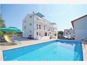 Apartmani Mila Hrvatska, Kvadratura 37,00 m2, Smještaj s bazenom, Zračna udaljenost od centra mjesta 550 m