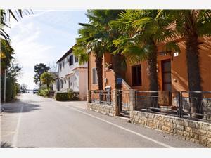 Ferienwohnung Milan Blaue Istrien, Größe 36,00 m2, Luftlinie bis zum Meer 70 m, Entfernung vom Ortszentrum (Luftlinie) 10 m