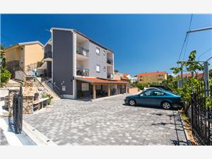 Apartamenty BERISHA I Baska - wyspa Krk, Powierzchnia 25,00 m2, Odległość od centrum miasta, przez powietrze jest mierzona 400 m