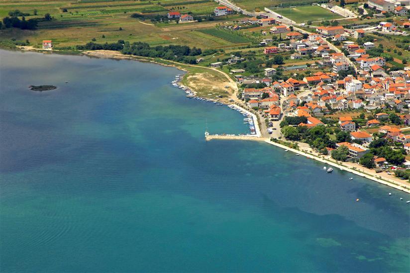 Apartment RADA-in the centre of Posedarje and near the beach