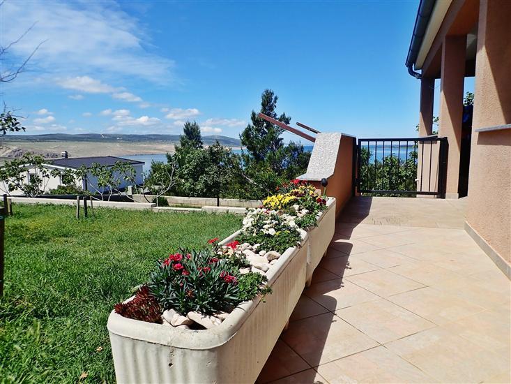 Apartament BOREAS-with panoramic view to the sea and Velebit