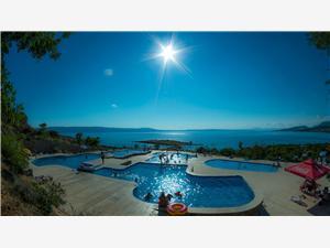 Kemp Klenovica Chorvatsko, Soukromé ubytování s bazénem, Vzdušní vzdálenost od moře 50 m, Vzdušní vzdálenost od centra místa 500 m