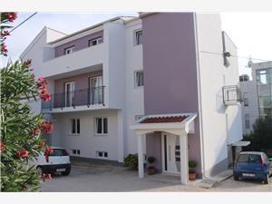 Apartmaji Lea-Stella Zadar, Kvadratura 90,00 m2, Oddaljenost od morja 50 m