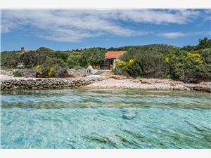 Kuća za odmor James Tkon - otok Pašman, Kuća na osami, Kvadratura 62,00 m2, Zračna udaljenost od mora 10 m