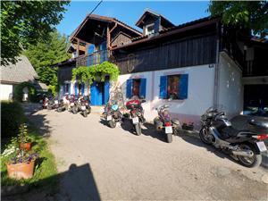 Hébergement avec piscine Plitvice,Réservez Latin De 50 €