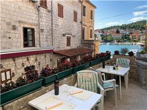 Chambre Bella Les iles de la Dalmatie centrale, Superficie 25,00 m2, Distance (vol d'oiseau) jusqu'au centre ville 100 m