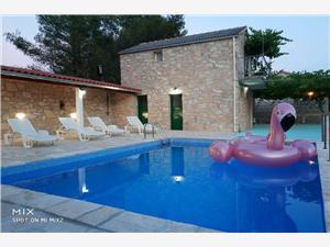 Huis Slivije Selca, Stenen huize, Afgelegen huis, Kwadratuur 24,00 m2