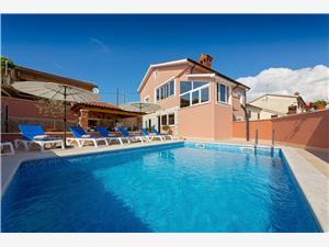 Vila Petra Kaštelir, Smještaj s bazenom, Zračna udaljenost od centra mjesta 250 m