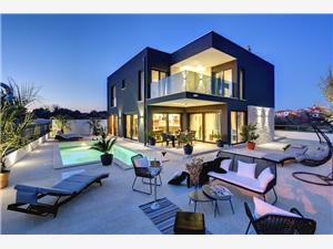 Vila Villa Orion Rovinj, Prostor 220,00 m2, Soukromé ubytování s bazénem