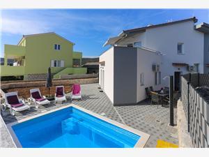 Дом Ivica Vinisce, квадратура 166,00 m2, размещение с бассейном, Воздух расстояние до центра города 500 m