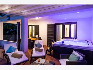 Apartament Auretta Istria, Powierzchnia 80,00 m2, Odległość do morze mierzona drogą powietrzną wynosi 30 m, Odległość od centrum miasta, przez powietrze jest mierzona 300 m