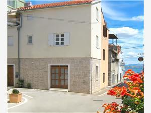 Дом Karmina Vodice, квадратура 75,00 m2, Воздуха удалённость от моря 70 m, Воздух расстояние до центра города 10 m