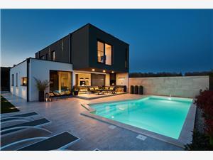 Villa Contessa Novigrad, Kwadratuur 200,00 m2, Accommodatie met zwembad