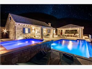 вилла Blue Sky Bol - ostrov Brac, квадратура 120,00 m2, размещение с бассейном, Воздух расстояние до центра города 300 m
