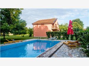 Vila Andrea Crna Gora, Kvadratura 120,00 m2, Smještaj s bazenom