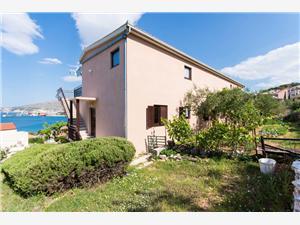 Apartmaji Ljube Okrug Gornji (Ciovo),Rezerviraj Apartmaji Ljube Od 94 €