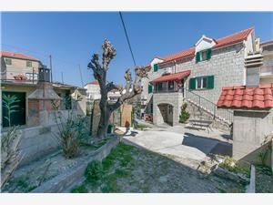 Kamienny domek Wyspy Dalmacji środkowej,Rezerwuj Igor Od 362 zl