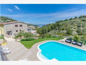 Апартаменты Star Stomorska - ostrov Solta, квадратура 50,00 m2, размещение с бассейном, Воздух расстояние до центра города 350 m