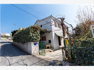 Vakantie huizen Split en Trogir Riviera,Reserveren Vlajčević Vanaf 117 €