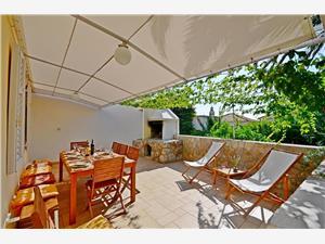 Haus Lara Dalmatien, Steinhaus, Größe 140,00 m2, Entfernung vom Ortszentrum (Luftlinie) 150 m