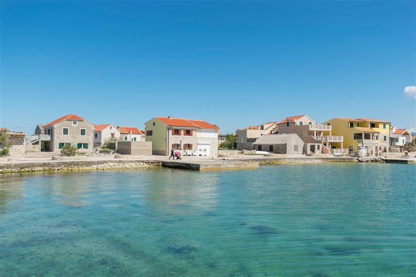 Apartment Island Dream