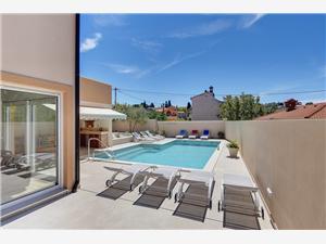 Hébergement avec piscine House Medulin,Réservez Hébergement avec piscine House De 228 €