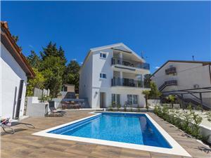 Hébergement avec piscine KATR Jadranovo (Crikvenica),Réservez Hébergement avec piscine KATR De 131 €