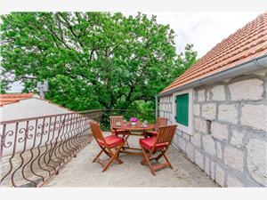 Afgelegen huis Split en Trogir Riviera,Reserveren Lucija Vanaf 88 €