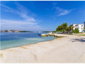 Boende vid strandkanten Split och Trogirs Riviera,Boka Gojislav Från 647 SEK