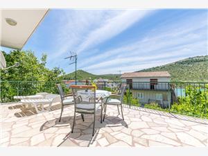 Haus Sunčani dvori Rogoznica, Größe 133,00 m2, Luftlinie bis zum Meer 50 m