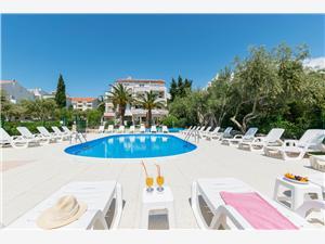 Apartmaji Villa Daniela Novalja - otok Pag, Kvadratura 27,00 m2, Namestitev z bazenom, Oddaljenost od morja 200 m
