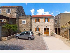 Dom Tia Vrboska - ostrov Hvar, Kamenný dom, Rozloha 65,00 m2, Vzdušná vzdialenosť od centra miesta 100 m