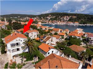 Апартаменты Palma Jelsa - ostrov Hvar, квадратура 100,00 m2, Воздуха удалённость от моря 150 m, Воздух расстояние до центра города 400 m