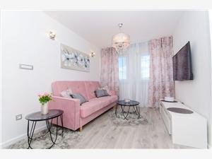 Apartmán Luxury Center Split, Prostor 50,00 m2, Vzdušní vzdálenost od centra místa 500 m