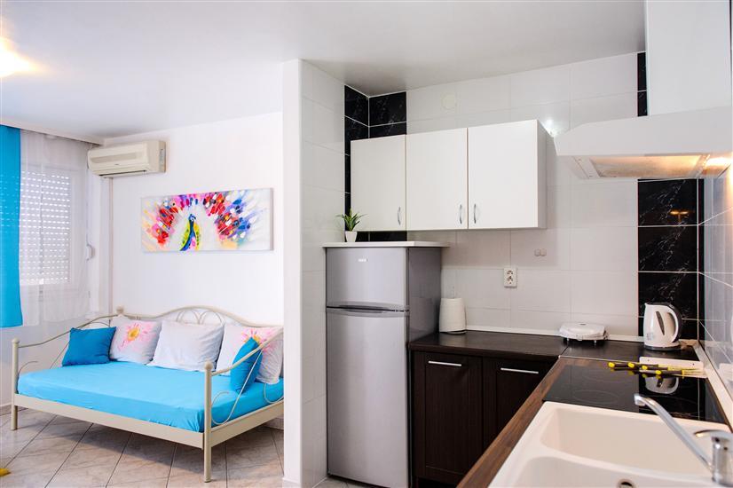 Lägenhet Adrian