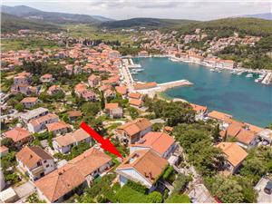 Apartmány Jelka Jelsa - ostrov Hvar, Prostor 55,00 m2, Vzdušní vzdálenost od moře 200 m, Vzdušní vzdálenost od centra místa 400 m