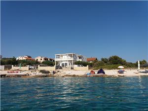 Ferienwohnungen Anjelika Sevid, Größe 50,00 m2, Luftlinie bis zum Meer 30 m, Entfernung vom Ortszentrum (Luftlinie) 100 m