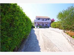 Apartmány Bosiljka Slatine (Ciovo), Prostor 25,00 m2, Vzdušní vzdálenost od moře 50 m, Vzdušní vzdálenost od centra místa 300 m