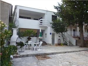 Апартаменты beach Starigrad Paklenica,Резервирай Апартаменты beach От 69 €