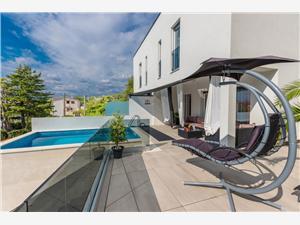 Namestitev z bazenom Reka in Riviera Crikvenica,Rezerviraj Aurora Od 356 €
