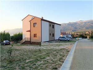 Appartamento DANE-30 m from the pebble beach Rovanjska, Dimensioni 120,00 m2, Distanza aerea dal mare 30 m, Distanza aerea dal centro città 500 m