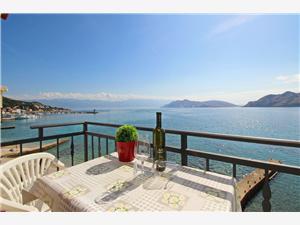 Apartmaj BARBALIC MIHOVIL Baska - otok Krk, Kvadratura 25,00 m2, Oddaljenost od morja 50 m, Oddaljenost od centra 10 m