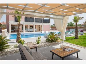 Namestitev z bazenom Eclipse Vir - otok Vir,Rezerviraj Namestitev z bazenom Eclipse Od 420 €