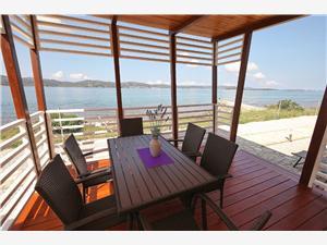Domek mobilny Plumeria 1 Biograd, Powierzchnia 34,00 m2, Odległość do morze mierzona drogą powietrzną wynosi 10 m